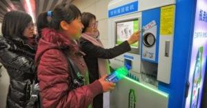 riciclo-plastica-cina-pechino-biglietto-metropolitana